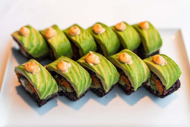 Black Rice Sushi Rolls - 2 pieces per serve